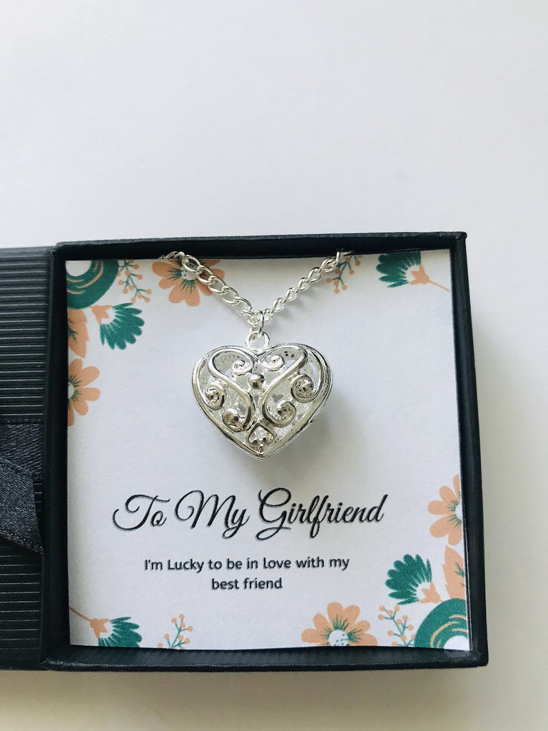 beautiful necklaces for your girlfriend